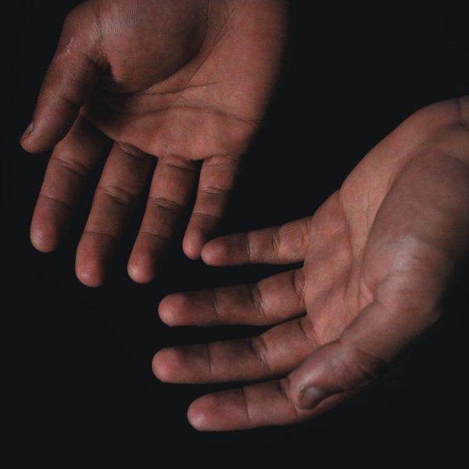 human-hands-2126879