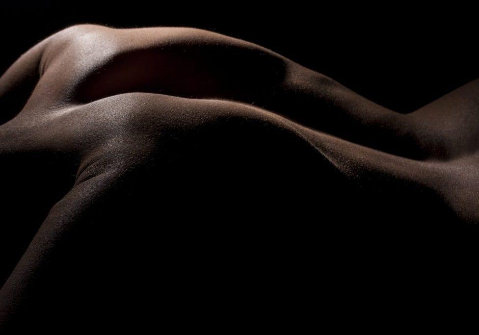 rear-view-attractive-back www.freepik.com